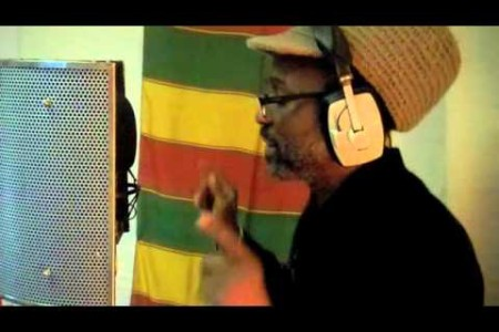 Ras Tweed – Recording Afrikan People Special for Jam Jah